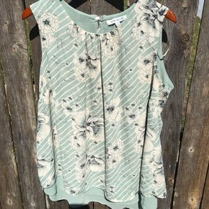 🆕 Rose & Olive Plus Size Green Floral Top Sz 1X